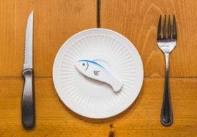 gratisography-fresh-fish-dinner